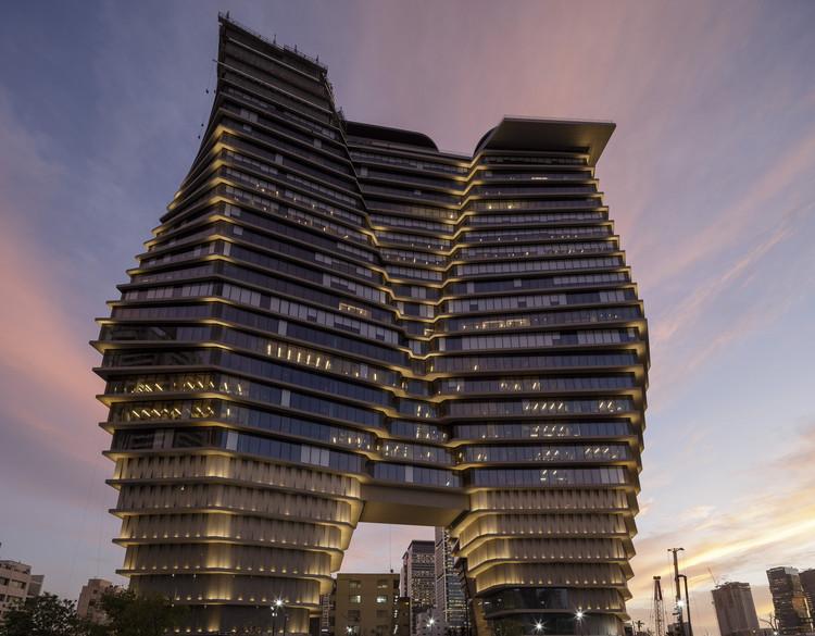 Desarrollo de oficinas ToHA / Ron Arad Architects, © Fernando Alda