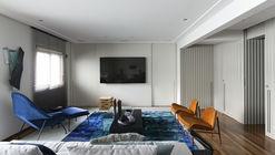 Apartamento Cumarú / Diego Revollo Arquitetura