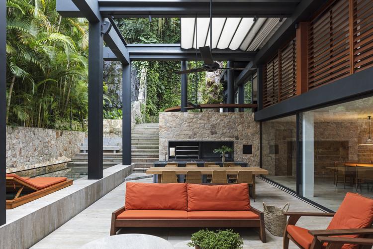ABK House / Bernardes Arquitetura, © Leonardo Finotti