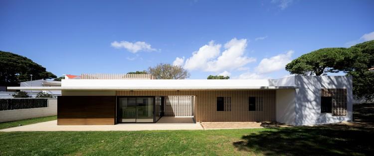 Residência Unifamiliar em Chiclana de la Frontera / Sursuroeste arquitectos, © Fernando Alda