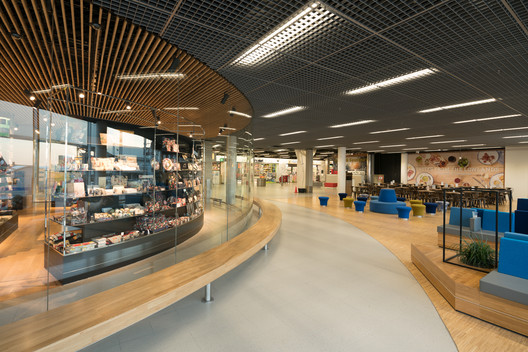 Holland Boulevard y Rijksmuseum Schiphol / NEXT architects