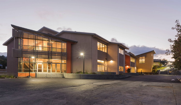 Sustainable School Design: How Hamilton + Aitken Architects Maximize Natural Light Using Vectorworks, Burlingame Intermediate School. Image courtesy of Hamilton + Aitken Architects.