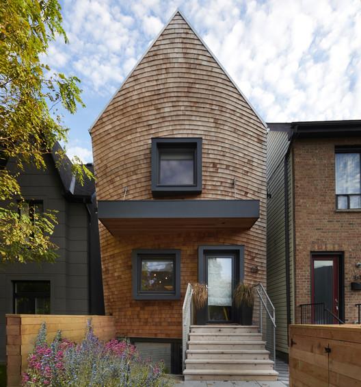 Curvy Eco Home / Craig Race Architecture
