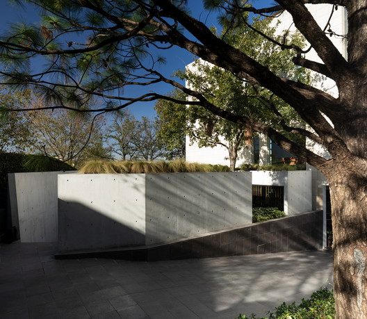 Residential Extension MF Pavilion / Guillermo Tirado Gzz - Architects
