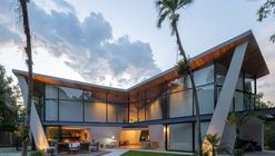 Casa Asa Delta / MAAR Studio