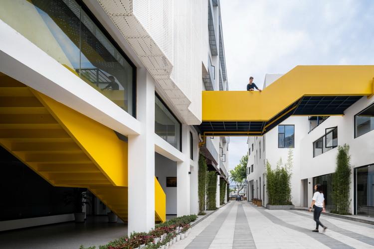 Shanghai Corduroy Factory Renovation / FTA Group GmbH, © CreatAR Images