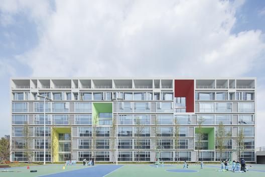 Hangzhou Choven Century City Experimental School / MONOARCHI
