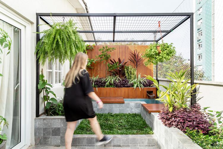 Loloite Apartment / Urban Ode Arquitetura e Urbanismo, © Marcelo Donadussi