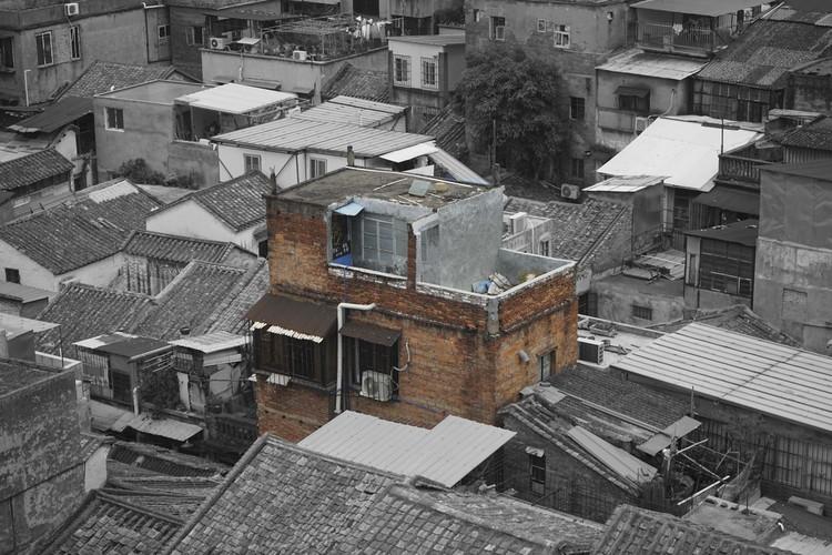 exterior view before renovation. Image Courtesy of URBANUS