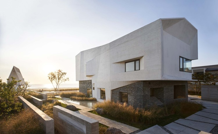 House T / META-Project, exterior. Image © RUIJING Photography