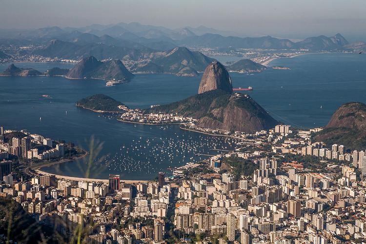 """Dicionário Iphan do Patrimônio Cultural: o que é """"paisagem cultural"""", Rio de Janeiro. Fotografia de Sandeepa and Chetan, via Flickr. Licença CC BY-NC-ND 2.0"""
