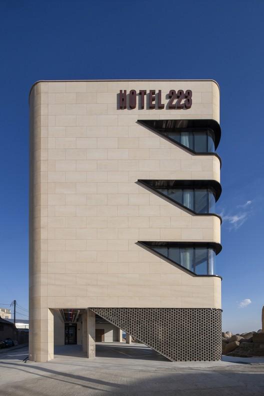 Hotel 223 / Snow AIDe, © Jaeyoun Kim
