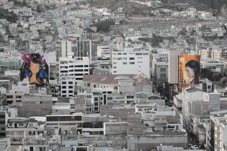 """Vera Primavera: """"Pinto mujeres grandes para reclamar el espacio visual de la mujer en la calle"""", © Vera Primavera"""
