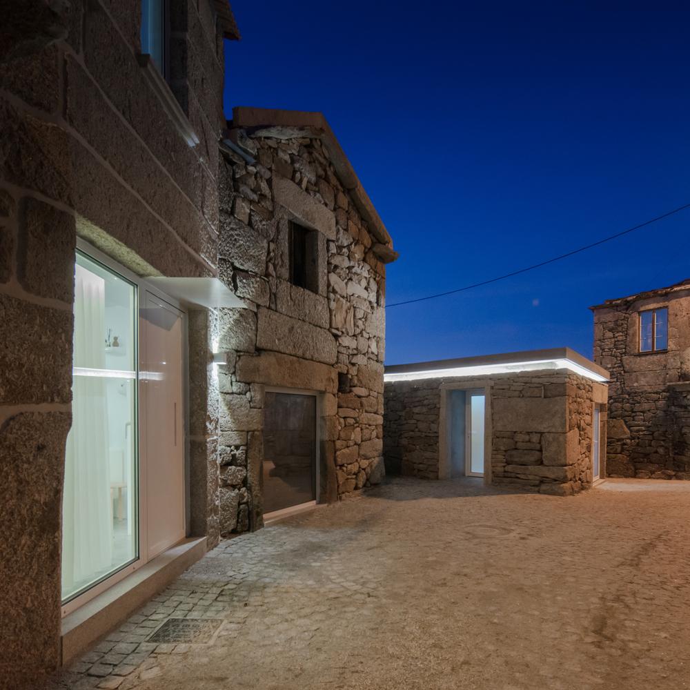 House of Grandfather Martinho / COVO Interiores