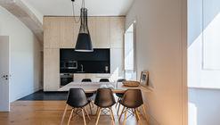 Apartment in Oeiras / Site Specific Arquitectura