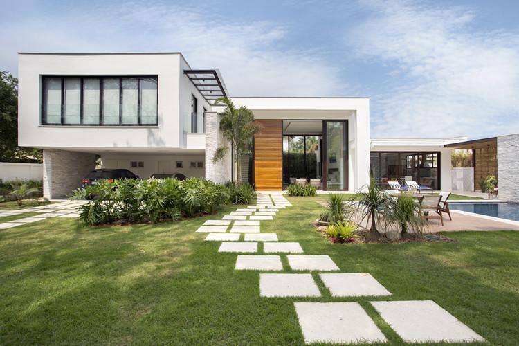 Casa Jardim Ubá / Amanda Miranda Arquitetura, © Denilson Machado – MCA Estúdio