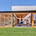 Sliding Doors / CplusC Architectural Workshop © Murray Fredericks