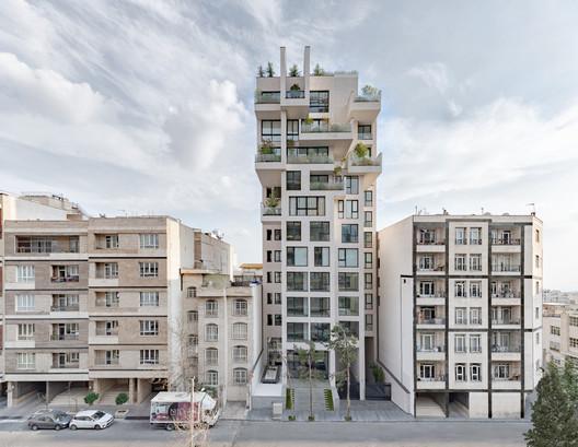 Residencial Cedrus / Next Office–Alireza Taghaboni