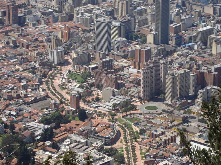 10 hitos del espacio público de Bogotá, © Jorge Láscar [Wikipedia] Bajo licencia [CC-BY-2.0]