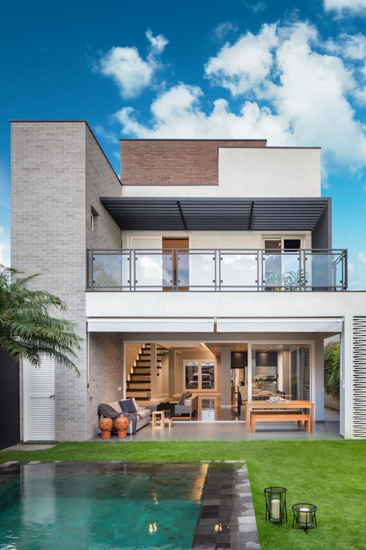 Guaratinguetá House / Ricardo Abreu Arquitetos, © André Mortatti