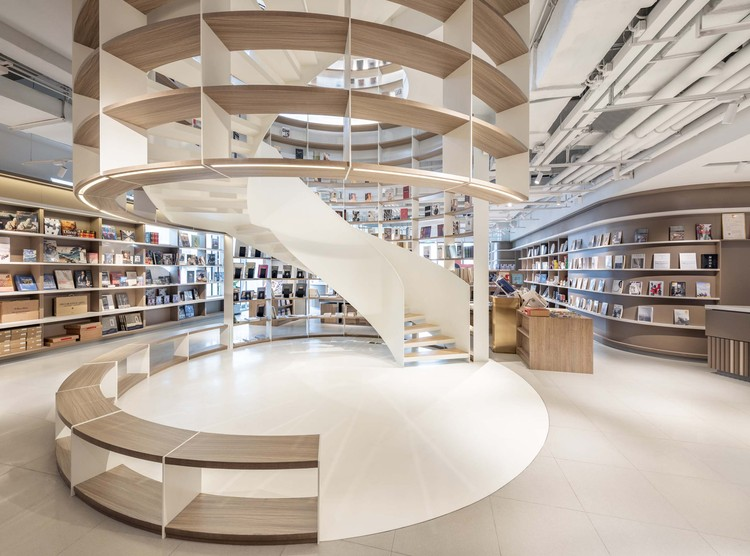 Social House by Xintiandi / Kokaistudios, the bookstore staircase. Image © Dirk Weiblen