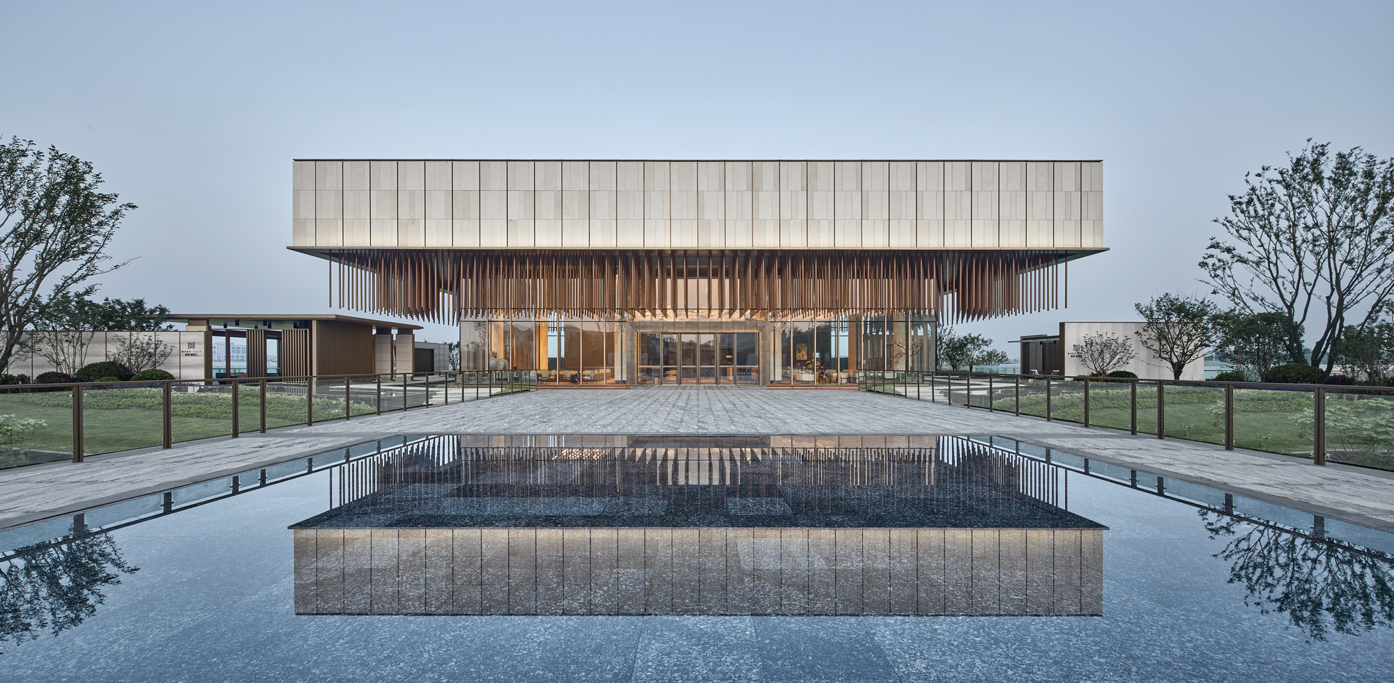 Lianzhong MODO City Sales Center / JHD Architects