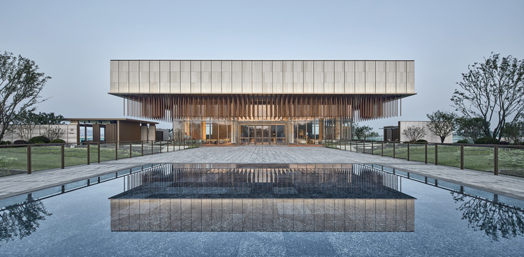 Lianzhong MODO City Sales Center / JHD Architects, © Jianghe Zeng