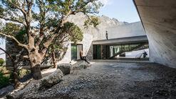 Casa bedolla / P+0 Architecture