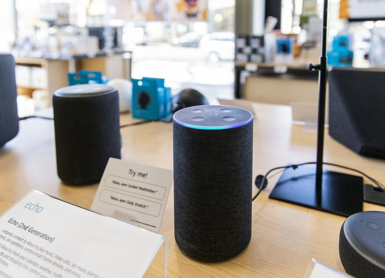 n Echo smart speaker inside an Amazon 4-star store in Berkeley, California ©Cayce Clifford/Bloomberg