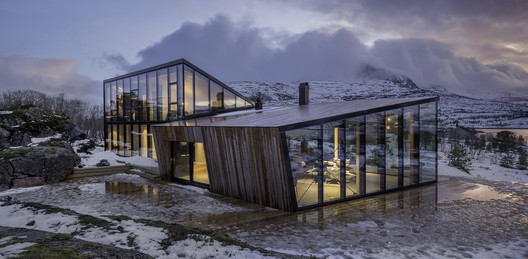 Efjord Retreat Cabin / Stinessen Arkitektur