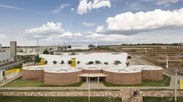 Academia Escola Unileão / Lins Arquitetos Associados, © Joana França