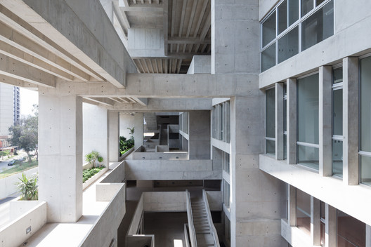 UTEC - Universidad de Ingenieria y Tecnologia by Grafton Architects. Image © Iwan Baan