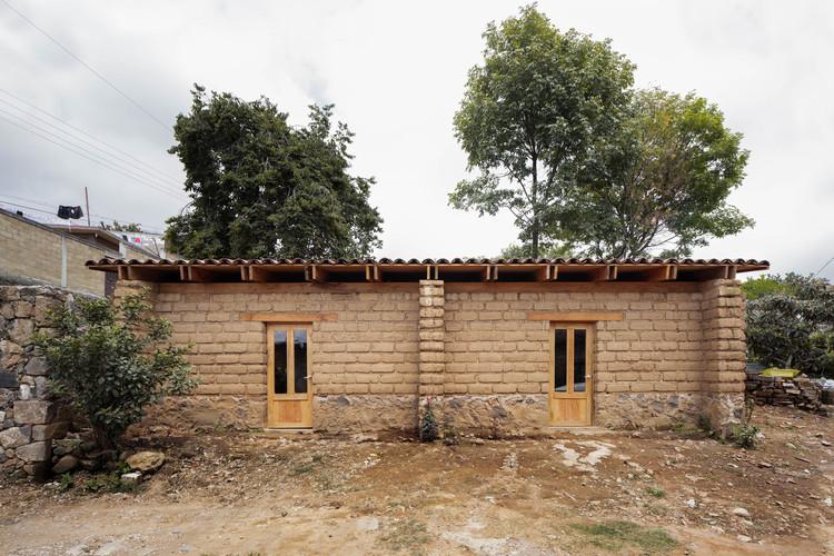 12 proyectos construidos que atienden sectores vulnerables en México, Casa Rosales / Israel Espin. Image © Zaickz Moz