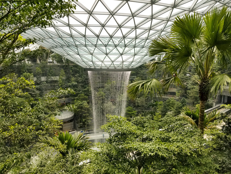 Craig Schwitter of BuroHappold on Jewel Changi Airport and Technology, Jewel Changi Airport / Safdie Architects. Image Courtesy of Jewel Changi Airport