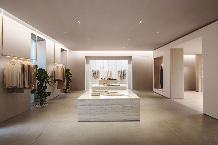 """The center of the """"living room"""" has a travertine display base. Image © Fangfang Tian"""
