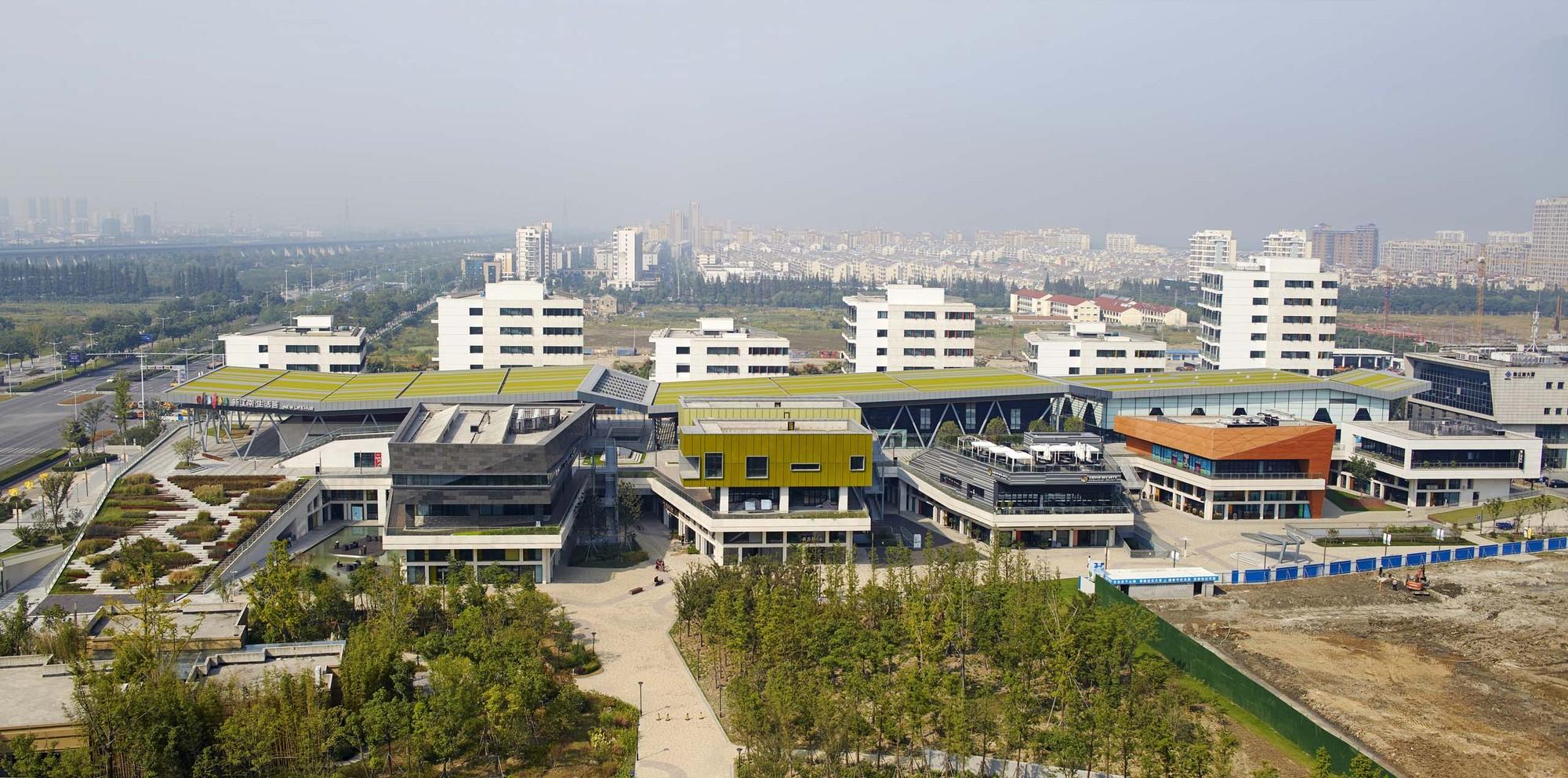 Kunshan New Life Hub / BAU