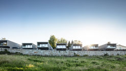 Box XL Houses / Grupo Zegnea