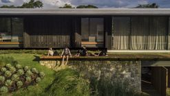 FL House / Jacobsen Arquitetura