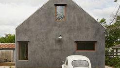 Casa Casey / Side Angle Side