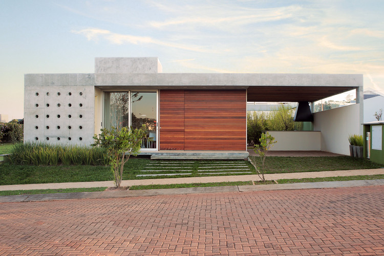 Casa Madri / Drucker Arquitetos Associados, © Ruben Otero