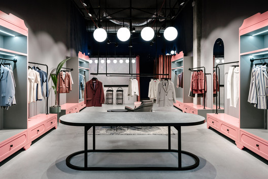 Courage Store / Angelina Malysheva