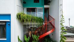 Olwen House / D1