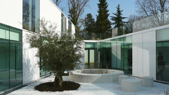 Child Psychiatry Hospitalization Building of 12 beds in Bures-sur-Yvette / a+ samueldelmas