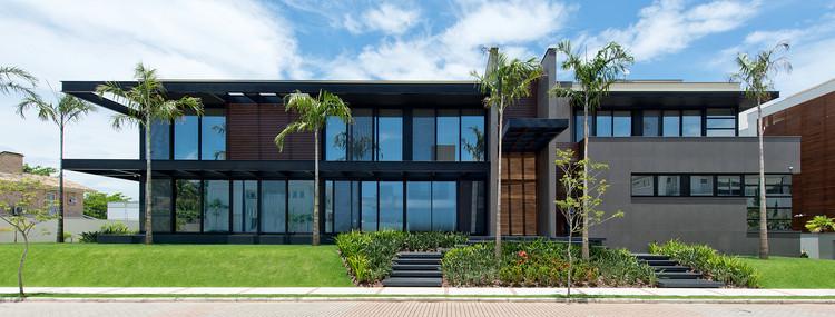 Residência VG / Progetta Studio de Arquitetura e Urbanismo, © Lio Simas