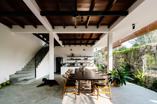 Far Homestay House / D1