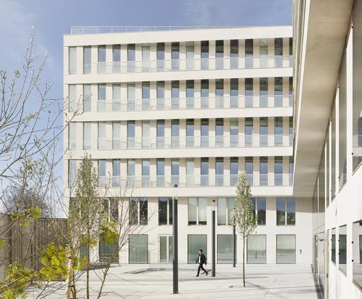 Casden Banque Populaire Headquarters / COSA Colboc Sachet architectures