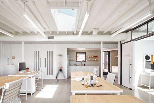 The Commune Collaborative Workspace  / Hunt Architecture
