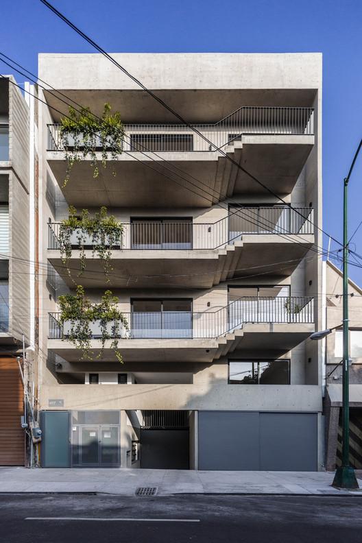 Edificio tajín 417 / Cometrue, © Onnis Luque