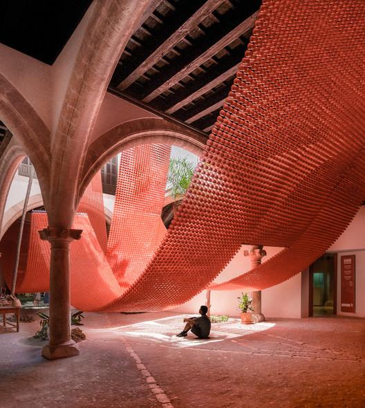 La catenaria y el arco / Manuel Bouzas + Santiago del Aguila, © Antonio Bouzas Barcala