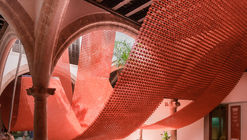 The Catenary and the Arc Installation / Manuel Bouzas + Santiago del Aguila